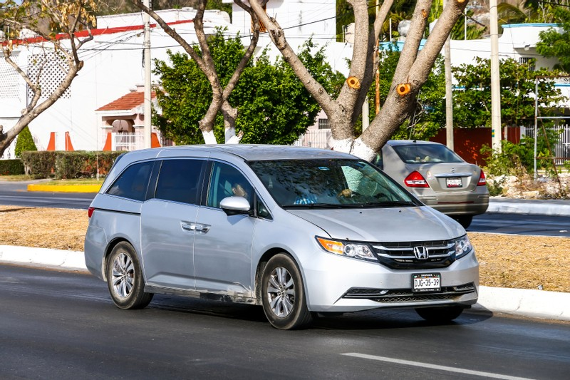 Honda Odyssey Minivans Recalled for Faulty Backup Camera and Door Handles