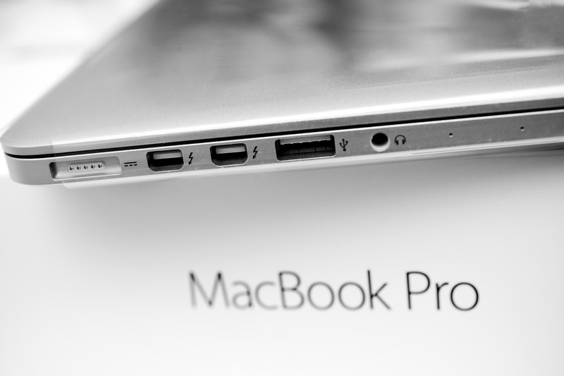 FAA Bans MacBook Pros with Recalled Batteries from Flights