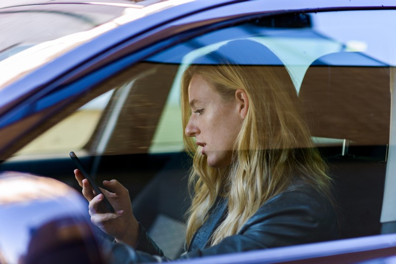 Parents Say Driving Distracted is the Norm for Teenagers